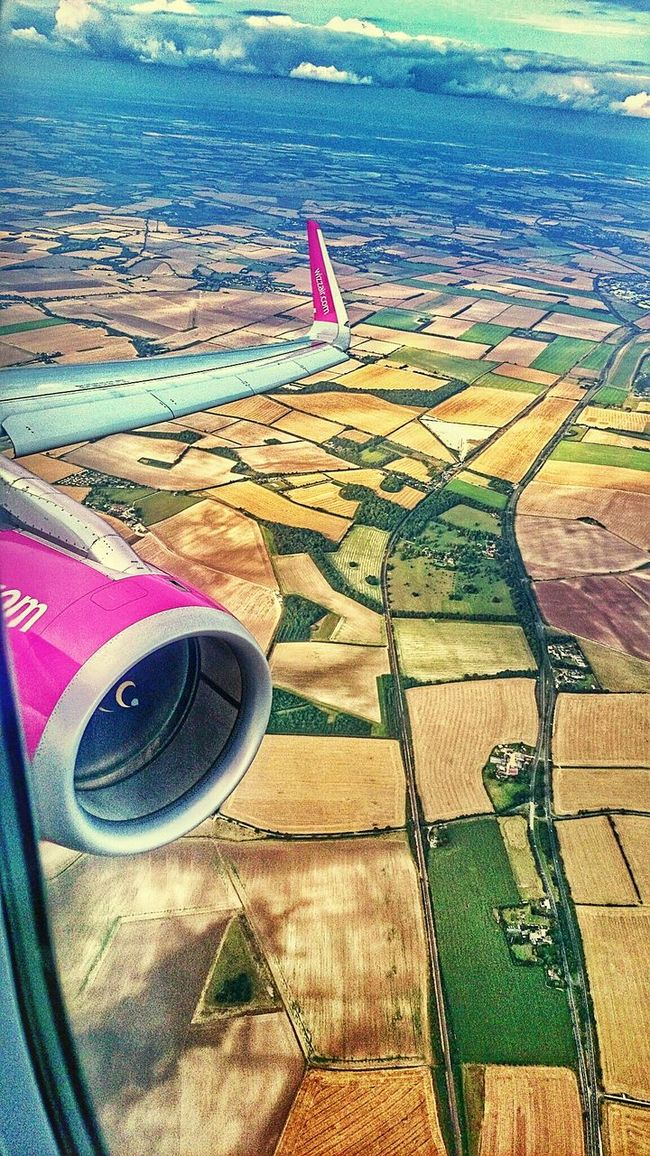 Wizzair Wizz Fly Flying Flying High Cantryside Outdoors Nature EyeEm Best Shots EyeEm Nature Lover EyeEm Eyeemphotography Hdr_gallery Transportation England England🇬🇧 Colorful Fly Away Hdr_Collection Sony Budapest Budapest, Hungary Magyarország London Sky