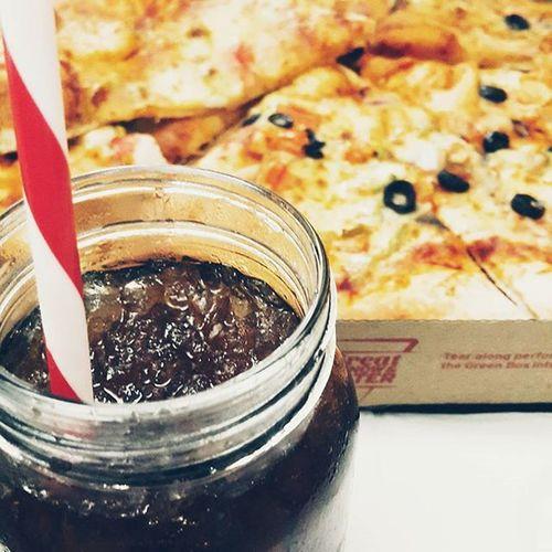 تصويري  مكة يومياتي صور رمزيات  بيتزا_هت الاكل