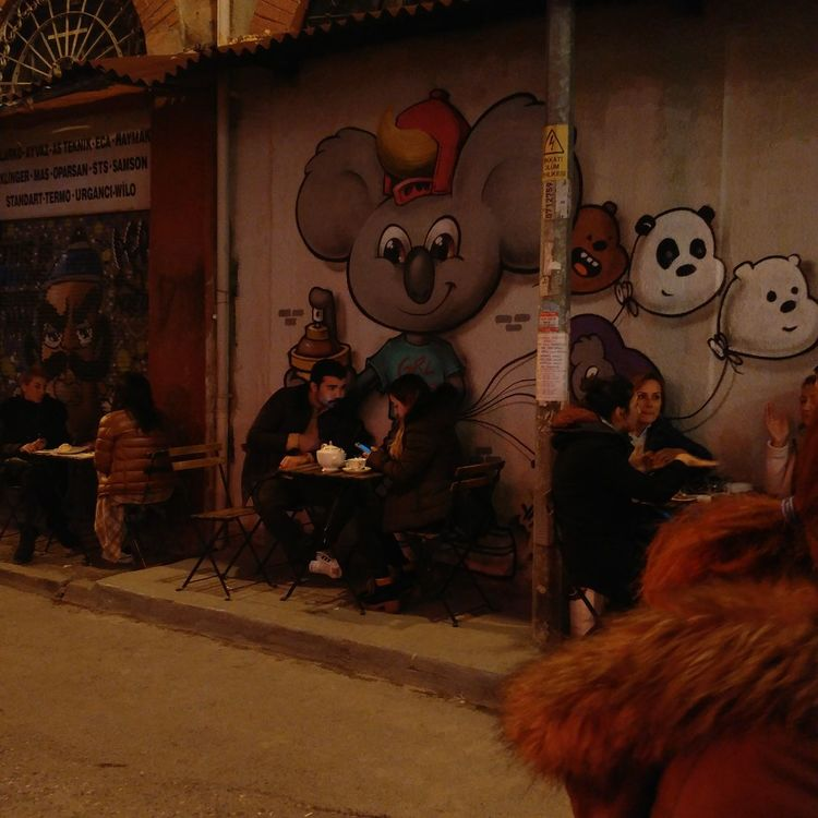 Men Lifestyles Togetherness Real People Women People Adult Night Turkey Istanbul Outdoors Karaköy Streetart Street Art Graffiti Art Graffiti Graffiti & Streetart Graffitiwall Koala 🐨 Koala