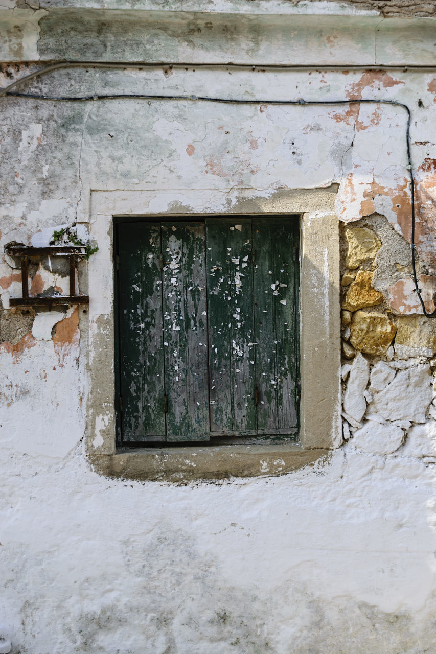window, architecture, built structure, door, weathered, no people, damaged, building exterior, day, outdoors, close-up