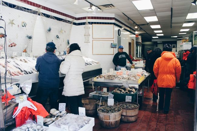 Seafoods SeafoodLover Seafoodporn Fresh Seafood Seafood Market Fish Shop Market Eyeem Market Marketplace Going To Market Food Fresh Produce Fresh People Shopping Day Shops Crab Crabs Sea Shells Lobsters Crabfish NYC Chinatown New York FishMarket