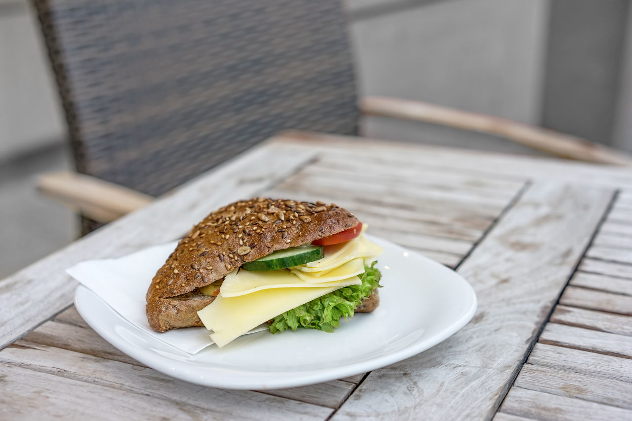 healthy sandwich for a rest Break Healthy Lunch Lunchhour Lunchtime Midday Break Plate Ready To Eat Rest Restaurant Restaurant Food Sandwich Snack Vegetarian