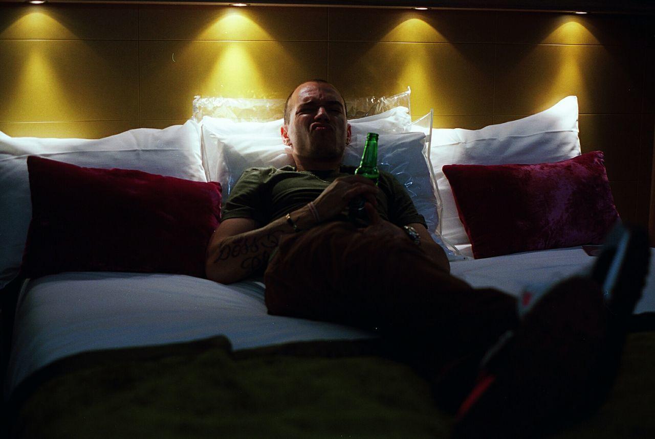 Hotel Only Men Nightlife Argentique Ishootfilm Filmisnotdead 35mm Film Analog Analogue Photography Filmfeed EyeEm Best Shots Kodak Film Film Photography 35mm Lowlight Alcohol Bottle Hotel Room Hotel Bed