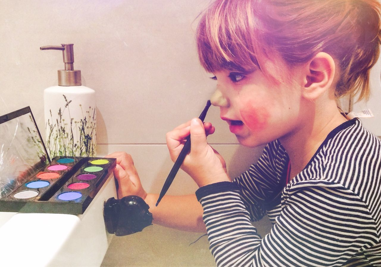 Beautiful stock photos of make-up, Berlin, Casual Clothing, Caucasian Ethnicity, Childhood