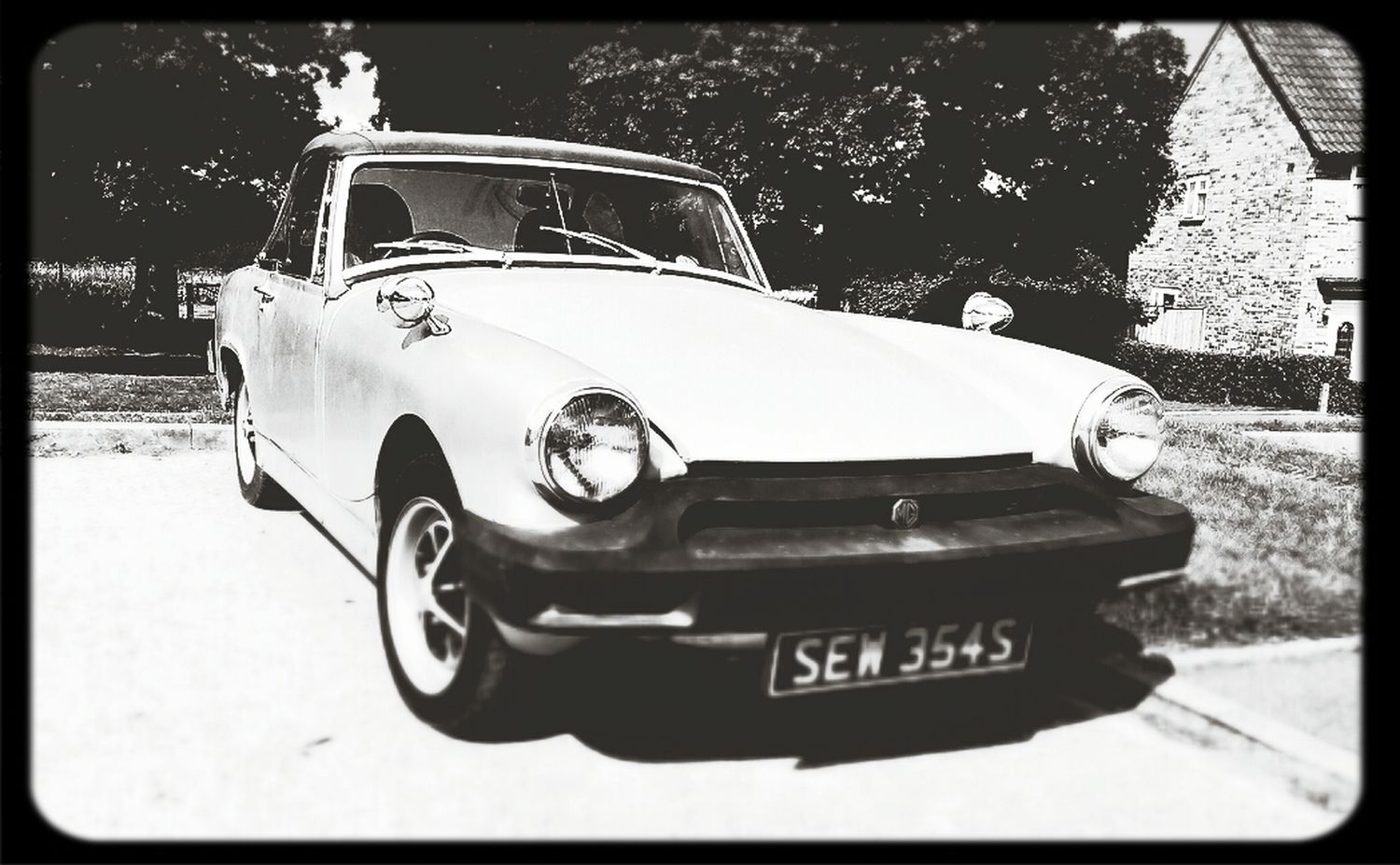 Look at this beaut..Mg Midget Classic Cars Sunny Days