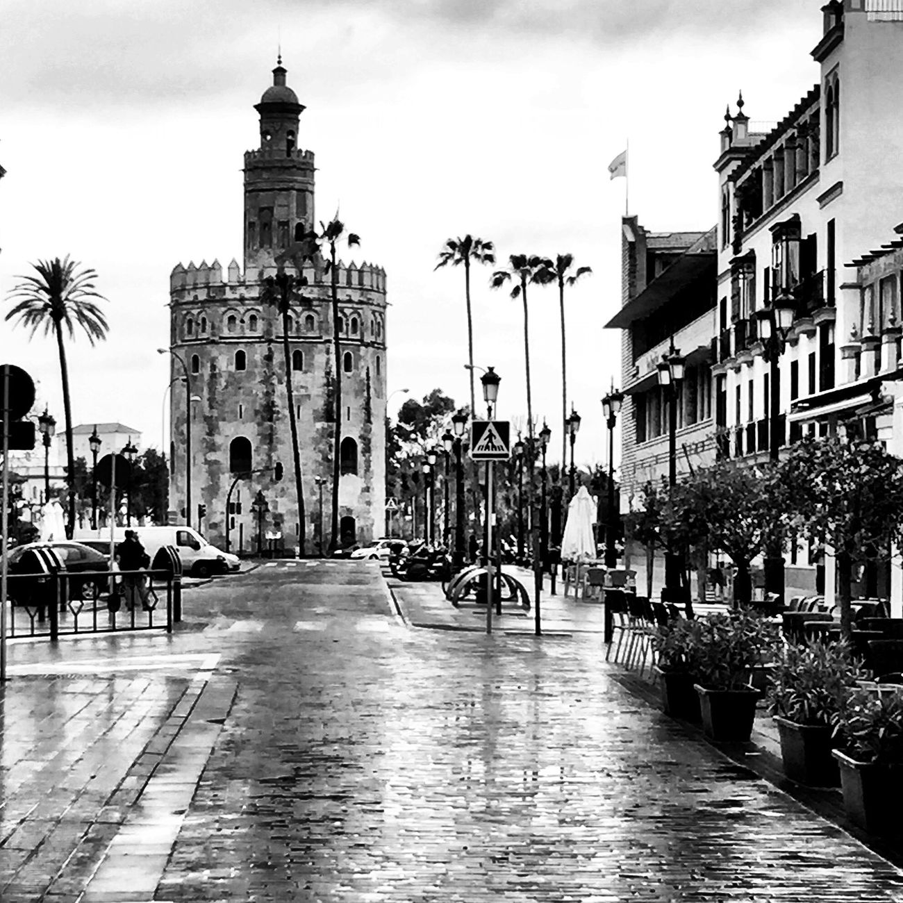 Ciudad Streetphoto_bw Black And White Bw_collection Movilgrafias Blackandwhite Arquitecture Sevilla Monochrome EyeEm Best Shots