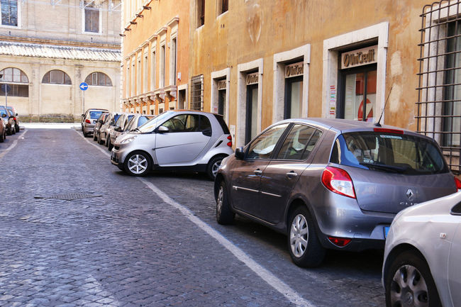 Car Creative Creative Parking Easy Parking Italy Parking Rome Small Car Traffic