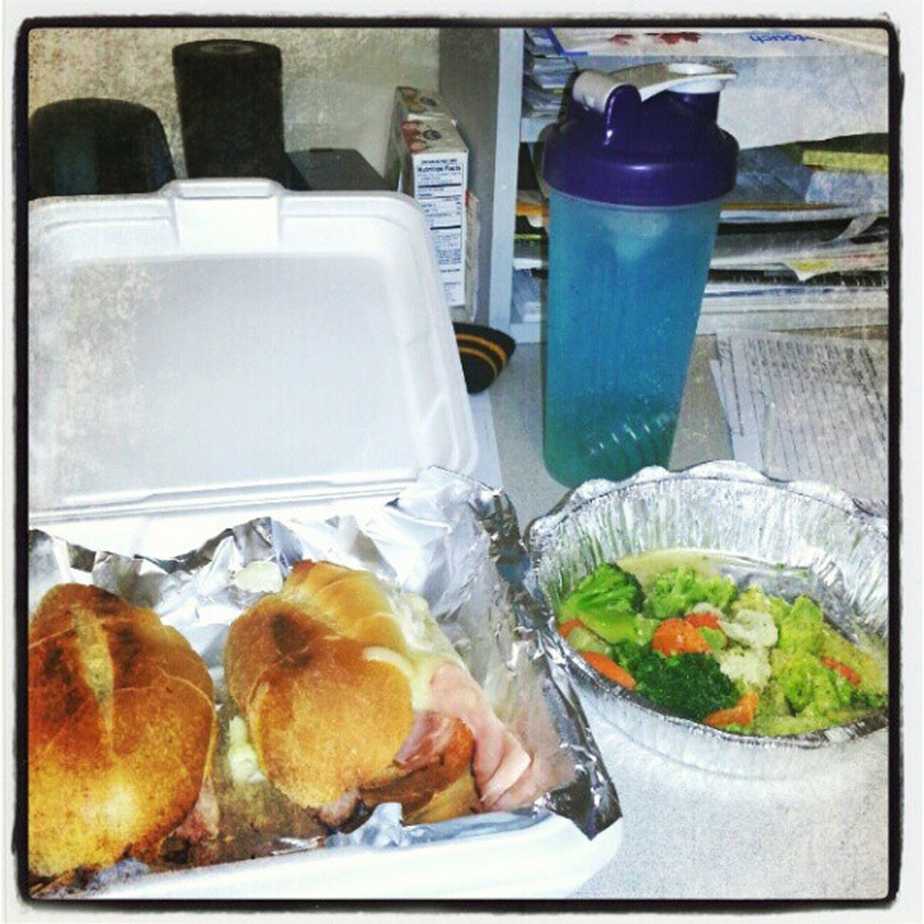 October Fmsphotoday Lunchtime Ham and cheese sandwich and mixed vegetables with flavored water.