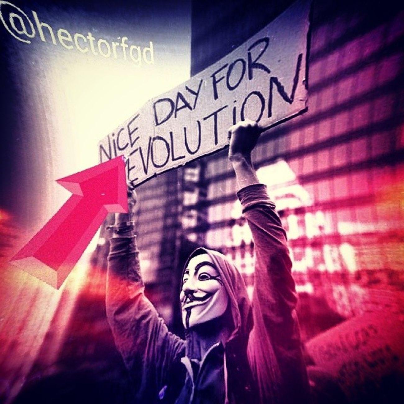 Hoy es un buen día para evolucionar nuestra lucha debemos ser más inteligentes y más certeros. Aquí nadie se rinde ???? 2A ResistenciaAnz ResistenciaVnzla SOSVenezuela SoldadosDeFranela ElQueSeCansaPierde. Foto original by: @we_are_annonymous editada por mi.