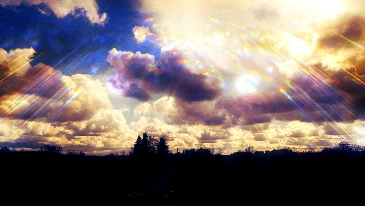 sunbeam, sky, nature, beauty in nature, scenics, silhouette, cloud - sky, sun, sunlight, tranquility, tranquil scene, tree, no people, outdoors, day, sunshine, landscape, sunset