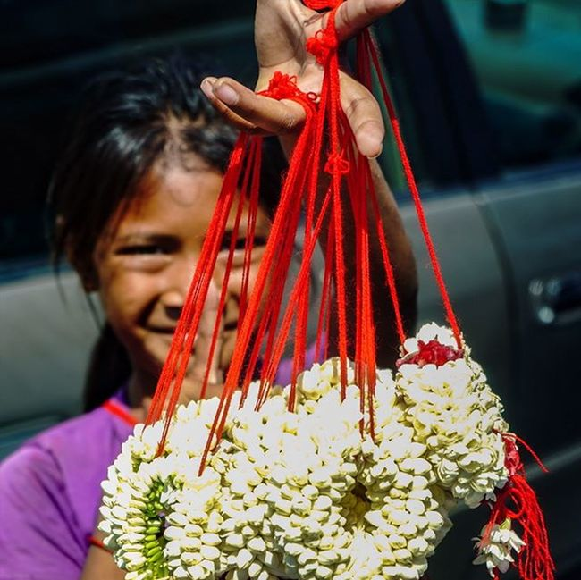 Buy my flowers please. Sony a7 experience @ Wat Oudong. Sony A7s Sonyalpha Sonyimages SonyA7s Sonycamera Sonyphotography Theappwhisperer Adventurevisuals GoodRadShot Fhotoroom PicHitMe EyeEm EyeEm_O MenchFeature Photography Pixelpanda Visitorg Aop_Lab Yourworldgallery SeeOurWorldNow Runningtheworld Natgeo Natgeotravel Natgeoyourshot Cambodia PhnomPenh @fhotoroom_ @pichitme @goodradshot @street_hunters @pixel_panda_ @eyeem_o @photocrowd @photoadvices @worldphotoorg