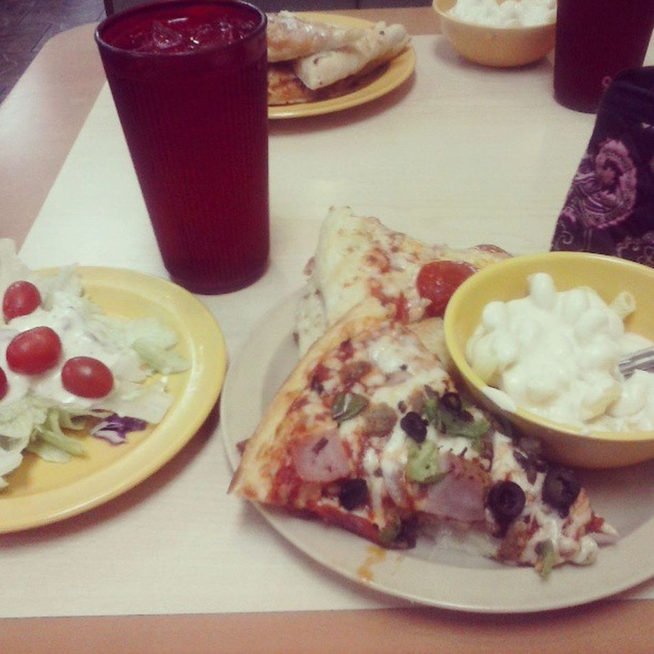At Cicis pizza with bestfriend! Yummy NightInTown lol