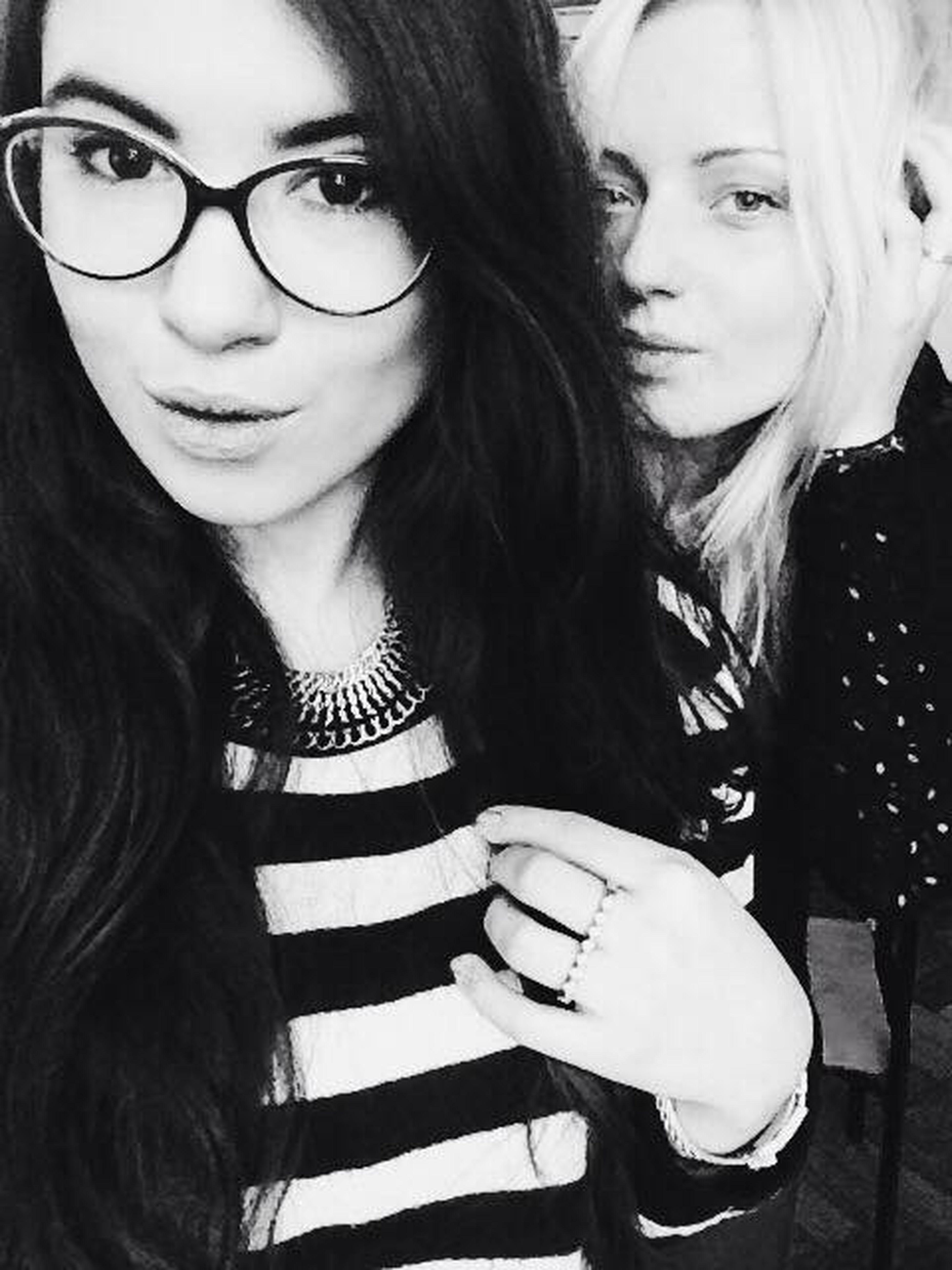 Black&white Classmate Blonde&brunette Daylight