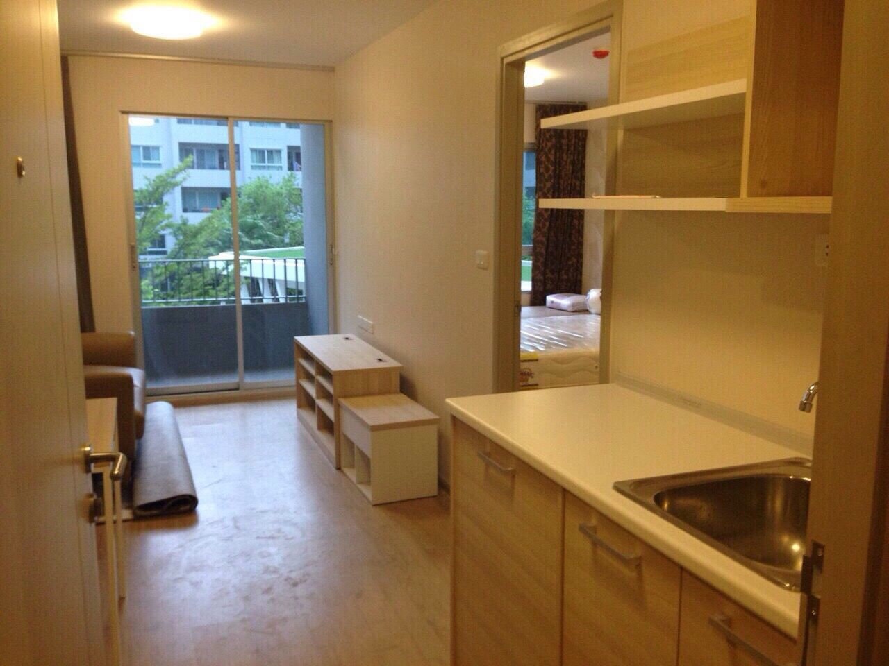 Condominium Thailand Modern Basin No People, Indoors Wide Shot Kitchen Area Cabinet Tap Clean Modern Design