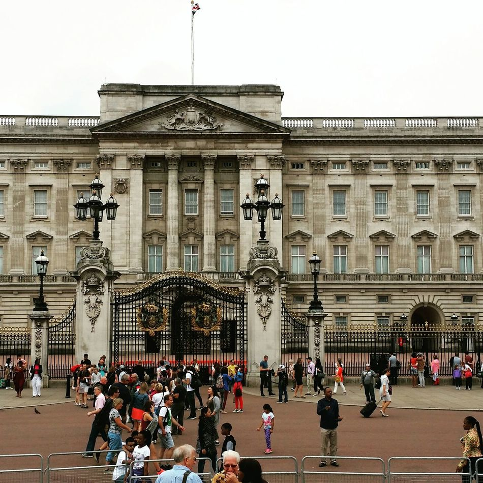 Facebook Amazing Goholydays ✈️👜 My Friend ❤ Travelling ✈ LONDON❤ Hello Friends :) Hello World Buckingham Palace Popular Photos