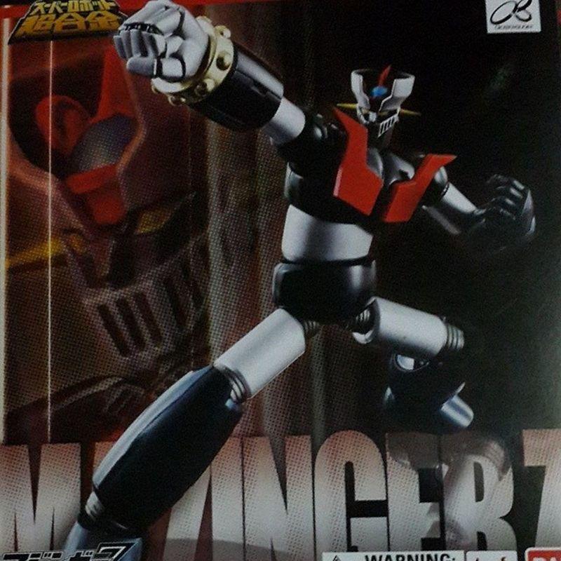Mi nuevo juguete!! Soy feliz. Mazinger Z, articulado y de metal :) Mazinger