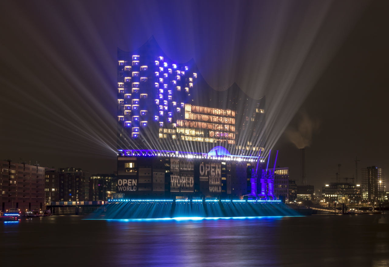 Hello World! EyeEmNewHere Elbe Architecture Night City Illuminated Skyscraper Modern Elbphilharmonie Concert Hall  Classic Abstract Long Exposure Lightshow Lasershow Hamburg Hafencity Harbor EyeEmNewHere Hafencity Hamburg Boot Hamburgerhafen Elphi Hamburgcity Newoneyeem