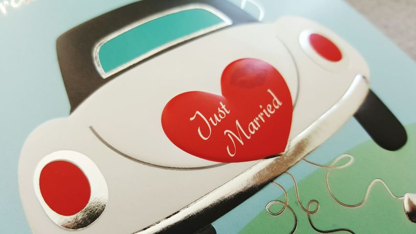 Just Married Heartbeat Moments Good Wishes Good Luck Wedding Wishes Directly Above Close-up Card Design Focus On Foreground Art Photography Things Around Me Heart Golden In Love ♡  Studio Shot Heart Shape In Love Love Red Color Selective Focus No People Wishes Communication Indoors  Celebration Place Of Heart