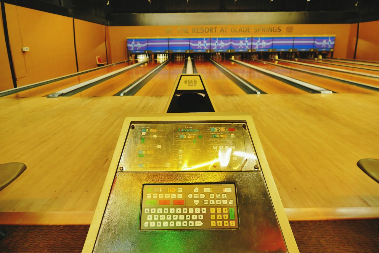 Bowling Bowl Bowling Alley Resort Urban Bowler Bowing Ball Bowling Pins Bowling Balls Bowling Pin Winter