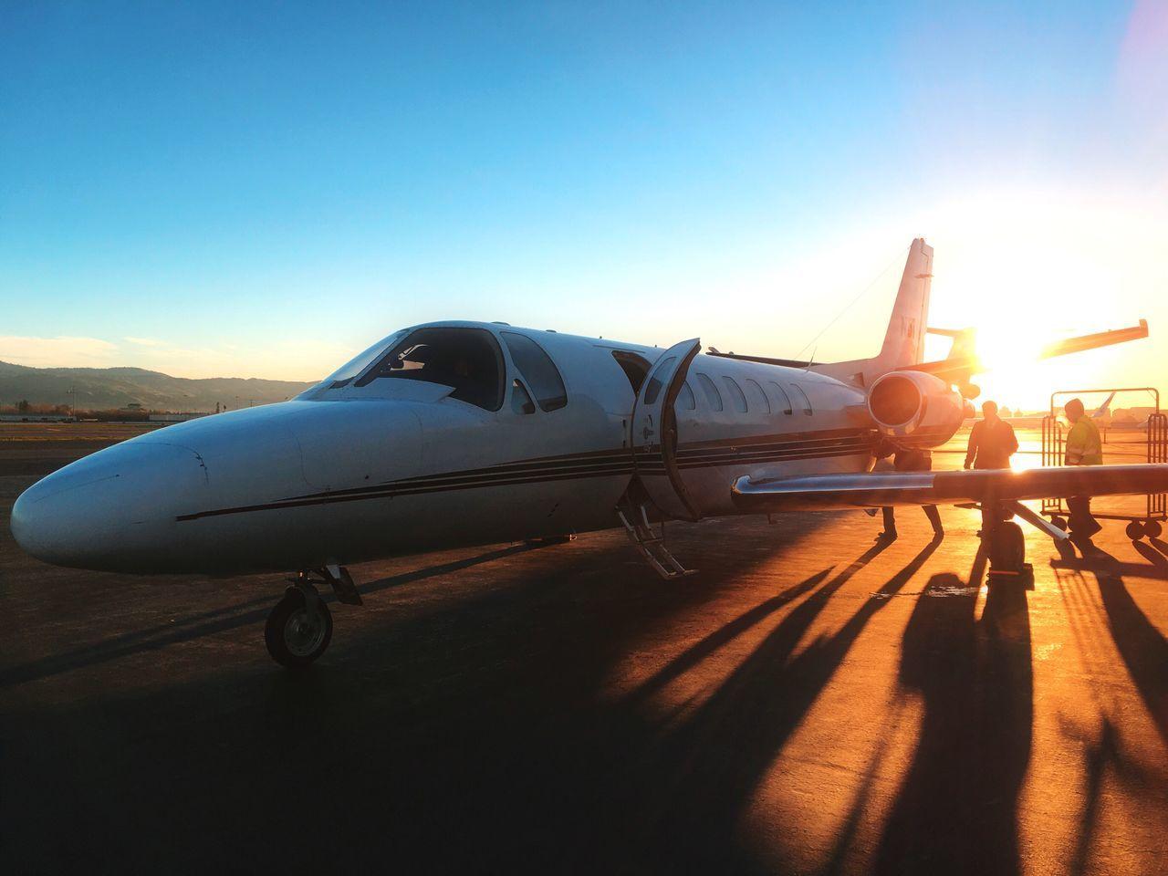 Beautiful stock photos of flugzeug, transportation, sunset, sunlight, airplane