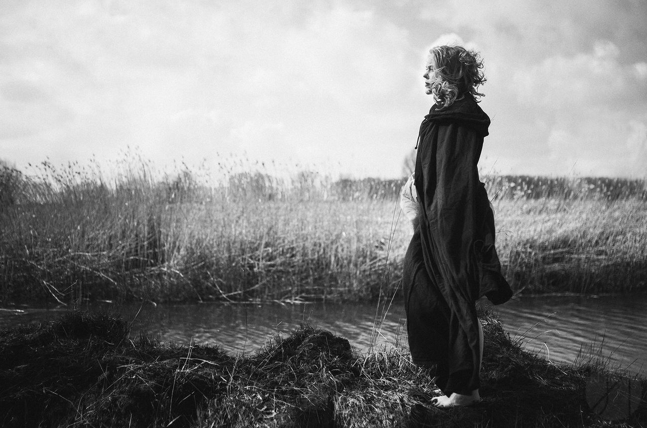 Portrait Blackandwhite Black And White Conceptual Fine Art Photography Peoplephotography Weather Women People Monochrome Photography