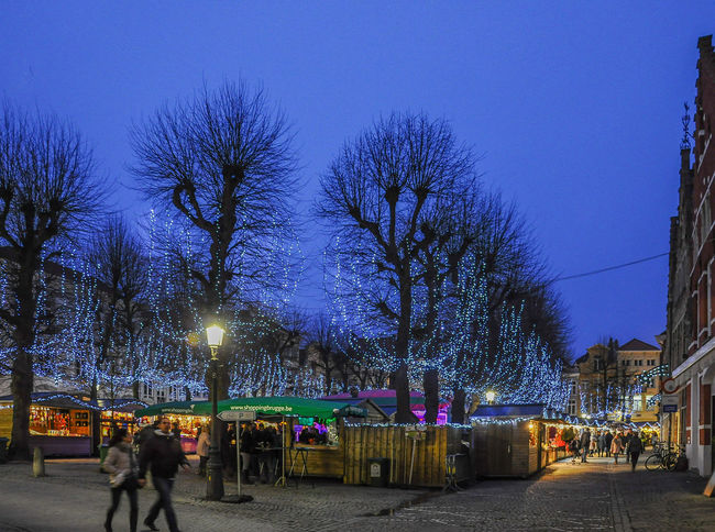 Please visit my website's soft launch @ www.epcampos.com Belgium Brugge Brugge, Belgium Brugges Christmasmarket Christmastree City Life Europe Eurotrip Market Marketplace Night Night Lights Nightmarket Nightphotography Outdoors