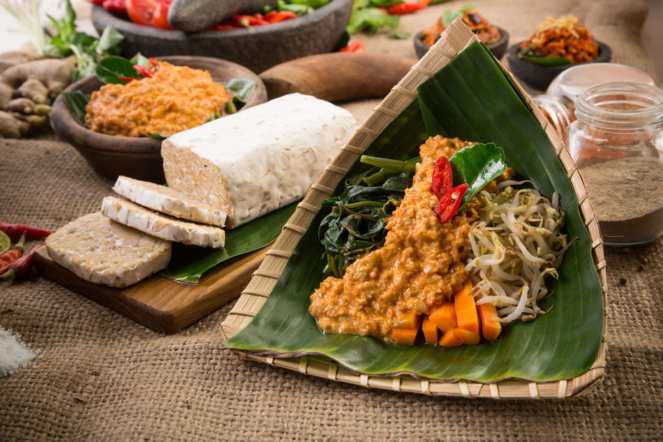Beautiful stock photos of essen, Burlap, Cutting Board, Food Styling, Indonesia