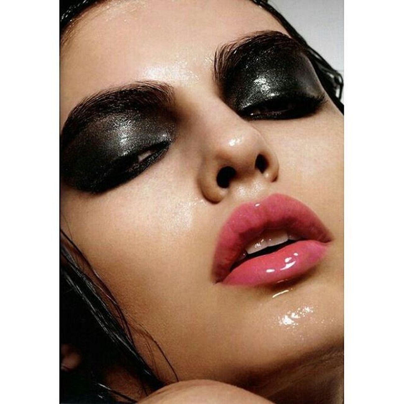 Eyesandlips Eyes Smokeyeye Eyes Eyemakeup Lips pink lips Lipstick Eyecolor Lipcolor Makeup