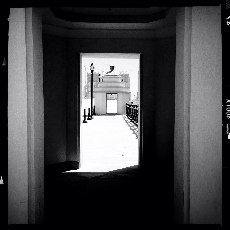 Door way to a door way Streetphotography AO DLX Film Blackandwhite Vanishing Point