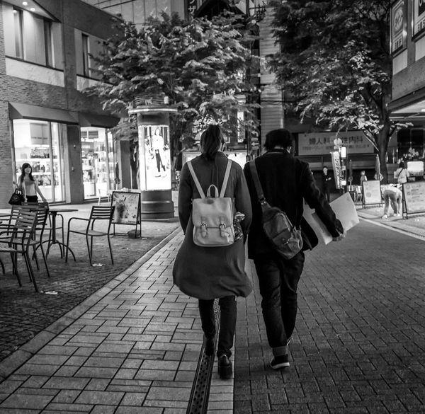 Down the Lane Japan Japanese  Streetphotography Streetphoto_bw Street Fashion Blackandwhite Monochrome Couple FujiX100T Love