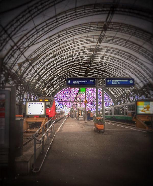 Hauptbahnhof AtTheTrainStation Dresden / Germany Dresden Hauptbahnhof Mobile_photographer Mobilephotos Iphone Fotos