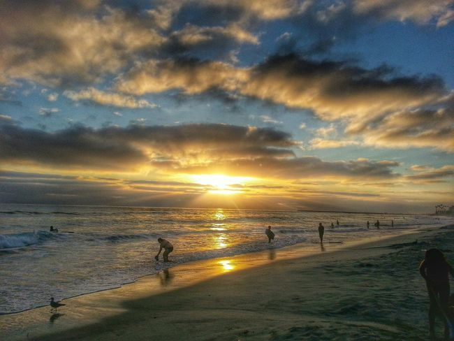 Here's a amazing sunset 2 days ago at Oceanside Beach. Can't Wait For Summer Sun_collection, Sky_collection, Cloudporn, Skyporn Sunset #sun #clouds #skylovers #sky #nature #beautifulinnature #naturalbeauty #photography #landscape Sandiego_ca Eye4photography  EyeEm Nature Lover EyeEm Best Shots - Sunsets + Sunrise Breathtaking Sunset
