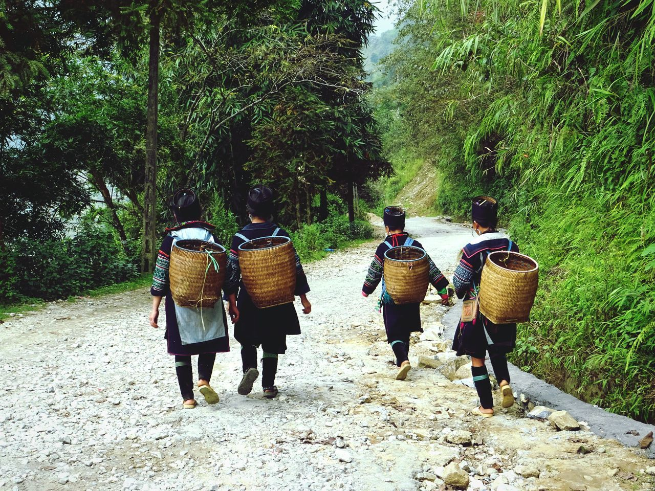 The way back home // Vietnam Sapa Hmong Women Road RuralTreasures  Scenery Stopping By History Through The Lens  Edge Of The World
