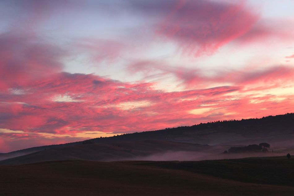 Dawn in Pienza, Val d'Orcia, Tuscany. No filter, real colors. Coloured Dawn Countryside Country Atmospheres Hills Fog Darkness And Light Lights And Shadows Nature Val D'orcia Hello World Breathtaking View Clouds And Sky Amazing Landscape Landscape Dawn No Filter Colored Sky Tuscany Sky Light Clouds Pienza (toscana)