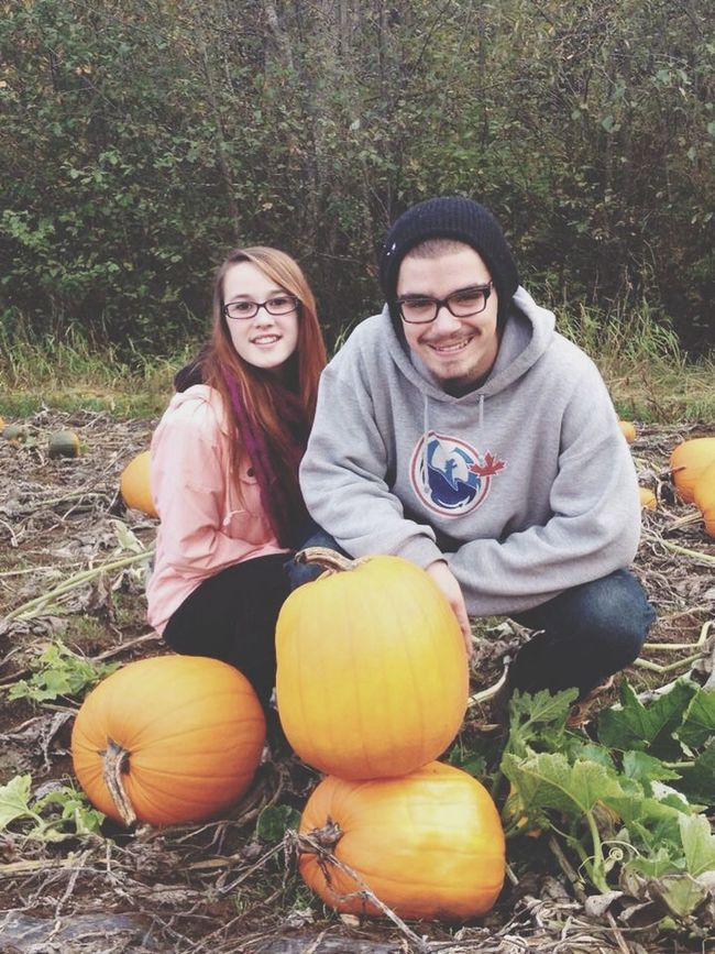 Cant believe its been a year since we last went pumpkin picking i love you 1year Lovehim Pumkinpicking🎃 Happy