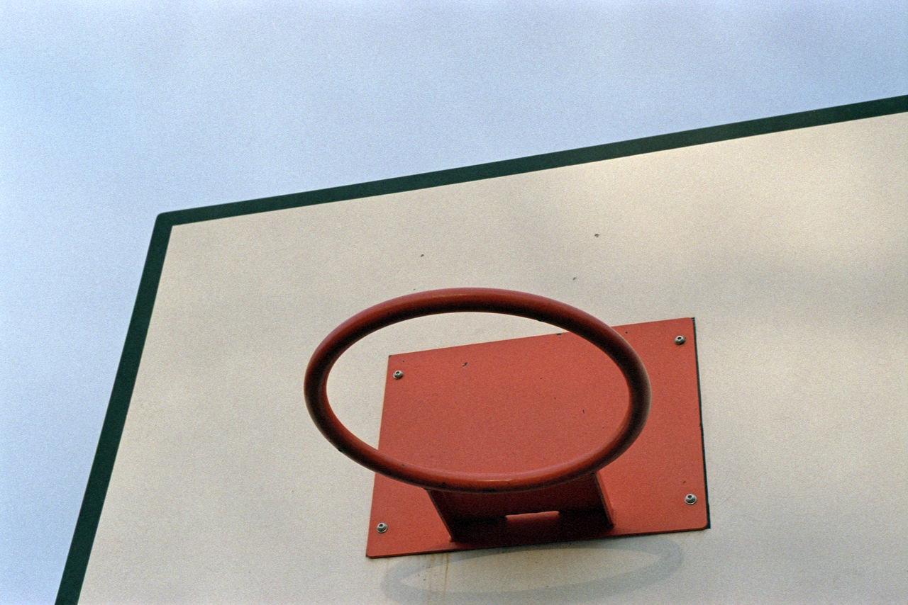 Basketball Hoop 35mm Film AgfaPhoto Vista Plus 200 Analogue Photography Basketball Blue Sky Board Color Negative Film Hoop Minimal Minimalism Minimalistic Orange Rectangle Round Shapes Simple Simple Composition Simplicity Sky Sport Urban