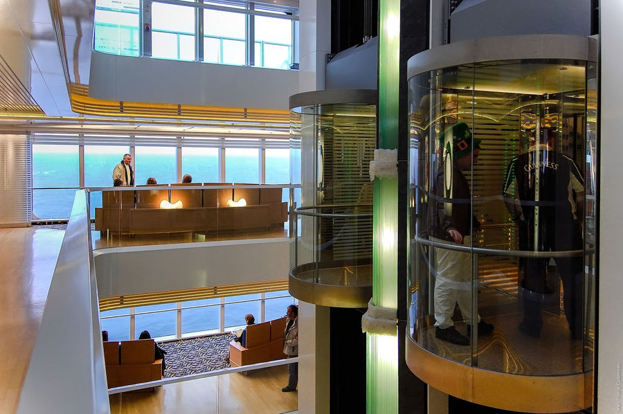 Entre Irlande et Bretagne, à bord du Pont-Aven Arrangement Blinds Bretagne Brittany Brittany Ferries Car Ferry Choice Compagnie Maritime Crossing The Sea Design Elevator Flooring Full Frame Glass Glass - Material Indoors  Metal Modern Order Pattern Pont-Aven Repetition Ship Window