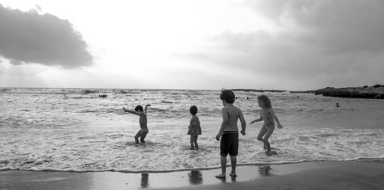 Beautiful stock photos of kinder, sea, beach, horizon over water, sky