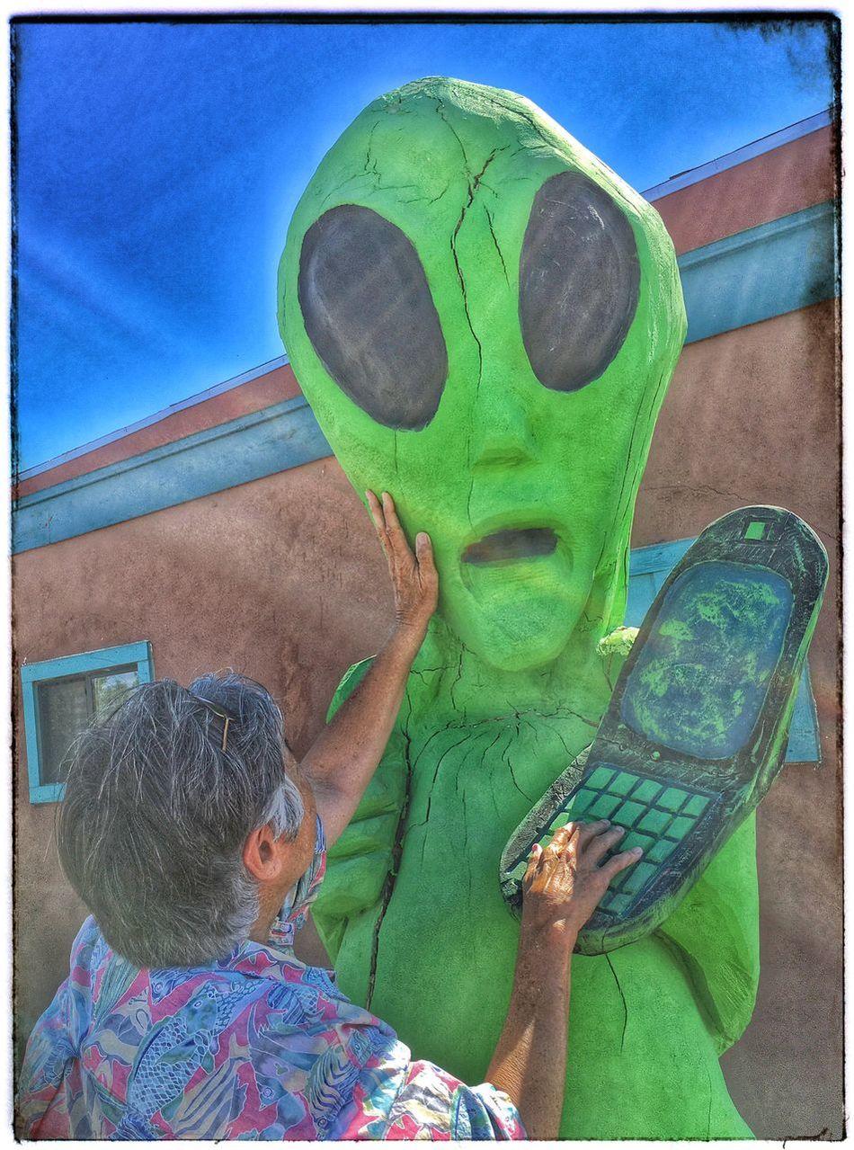Alien Meeting. Alien Alien Encounters Aliens Alienselfie Alien Invasion UFO Outerspace Funny Moments