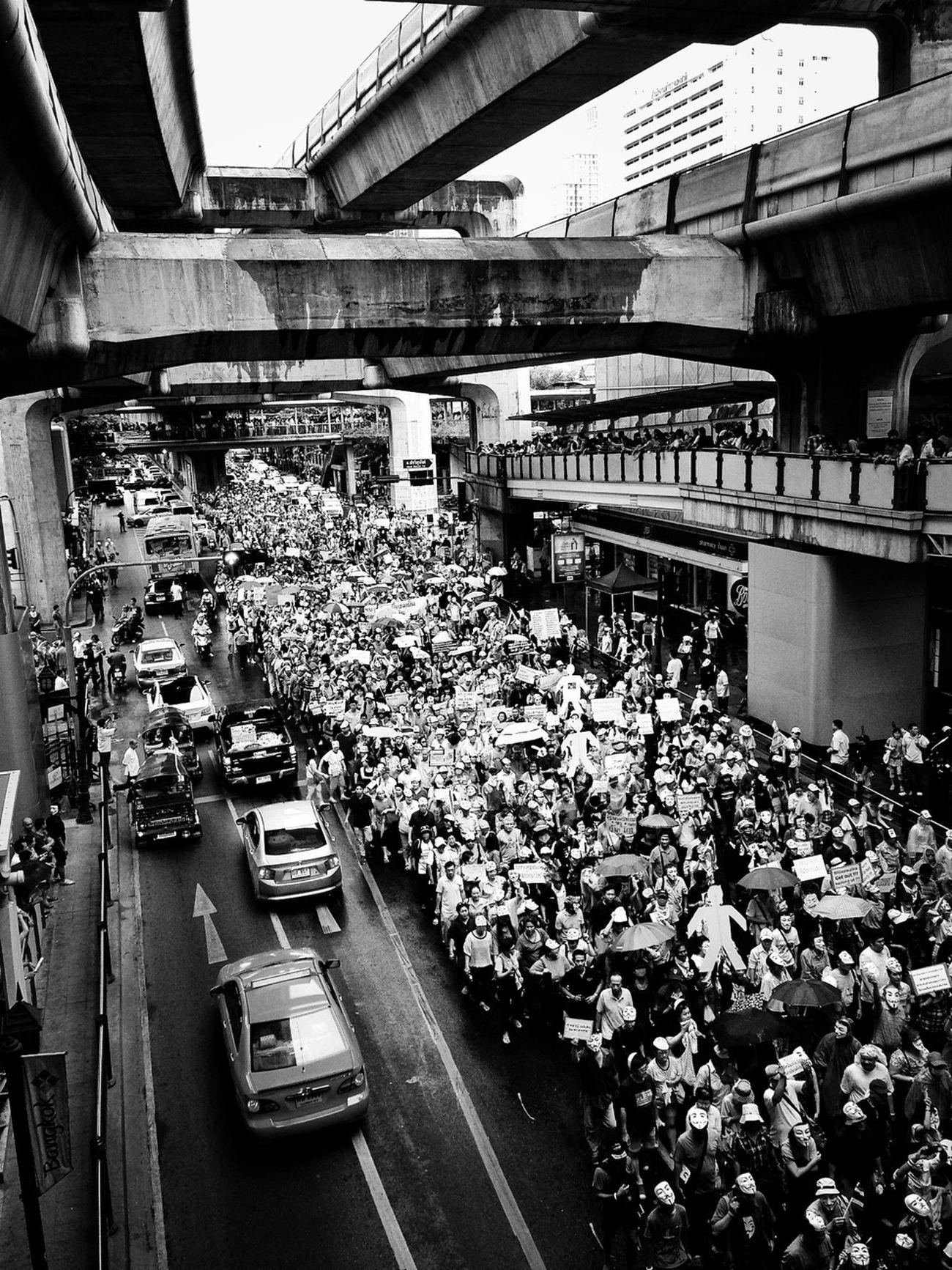 Revolution Streetphotography Blackandwhite Streetphoto_bw