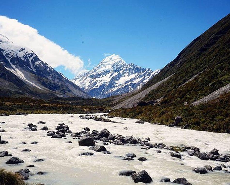 Aoraki / Mt.Cook Aoraki MtCook Southernalps Southisland Newzealand Highestmountain Majestic Hookervalley Wilderness NaturalBeauty Purenz Nzmustdo Justforthepics Secondaccount Travel Landscapes With WhiteWall