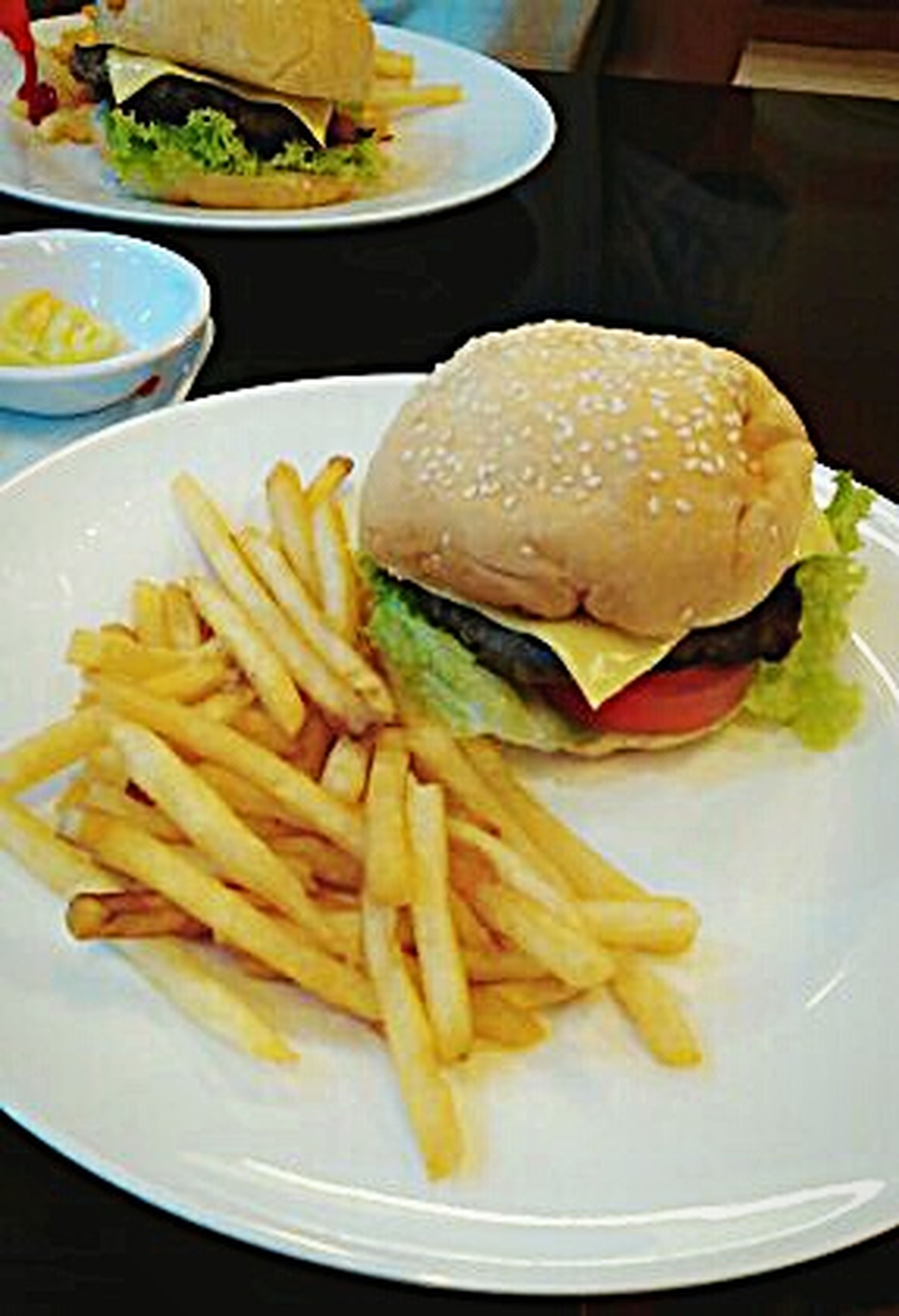 french fries, prepared potato, unhealthy eating, food and drink, ready-to-eat, fast food, fried, hamburger, close-up, no people, plate, snack, freshness, indoors, bun, day