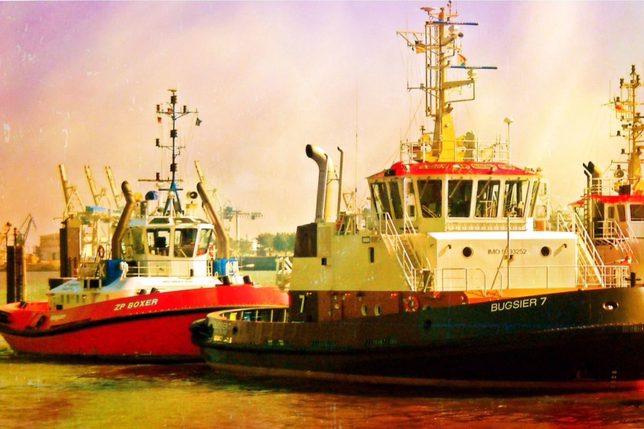 nautical vessel, transportation, mode of transport, no people, outdoors, water, moored, day, sea, nature, sky, animal themes
