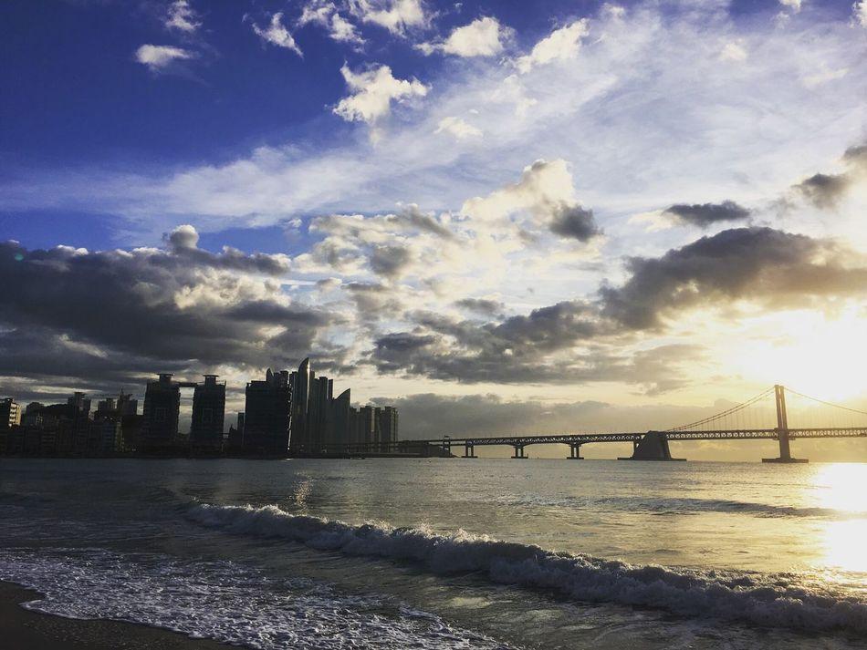 어느 아침. 운동하면서 찍은 광안리 바닷가. Sea Sky Cloud - Sky Gwanganli Gwangali Beach First Eyeem Photo