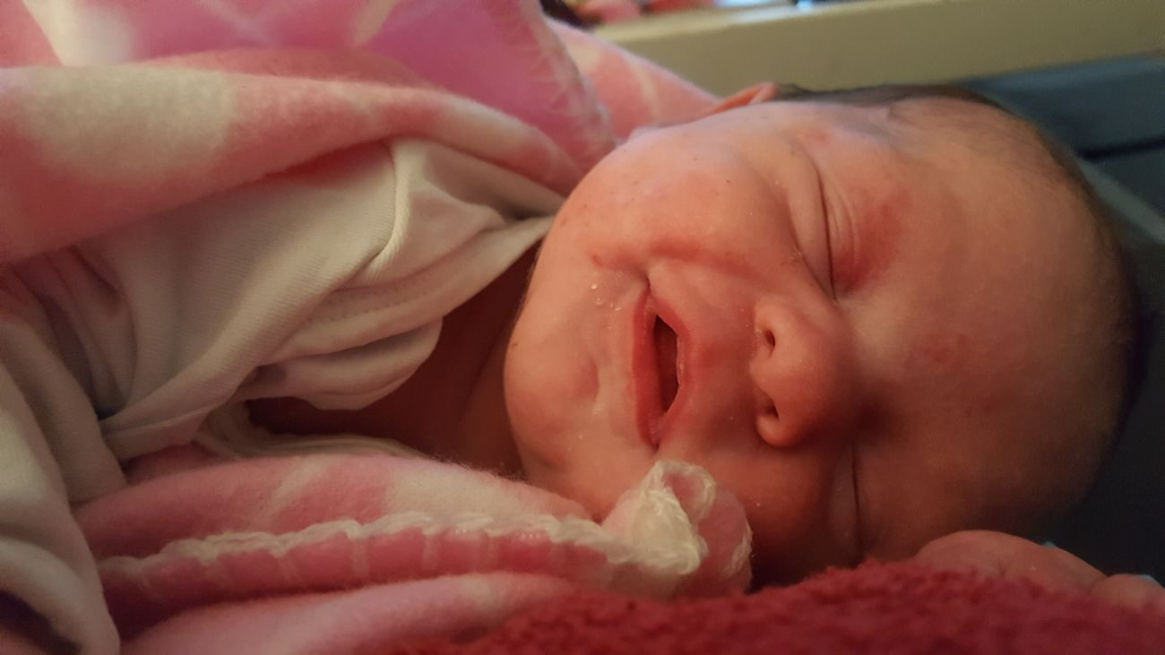 Newborn Daughter Love♡