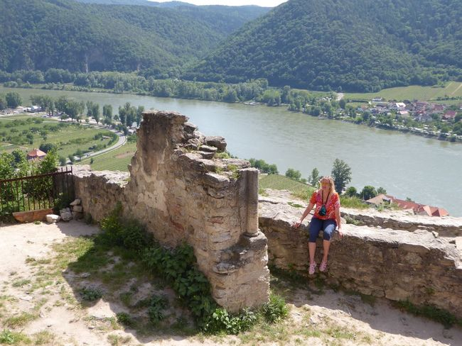 Glücksmomente Happy Moments Sitting On A Ruin😍 Simple Things Are The Best  Place Of Heart Simple Beauty For My Friends 😍😘🎁 Eye4photography  Enjoying The View My Soul's Language Is📷 Tranquil Scene Thankful🦄 Mood Captures Beauty In Nature Enjoying Life Perfect Day With A Friend😍 No People Dürnstein Ruin Wachau/Austria Good Night&sweetest Dreams 🦄