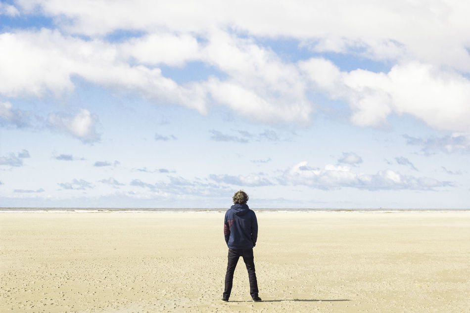Beautiful stock photos of wüste, Barren, Casual Clothing, Cloud - Sky, Day