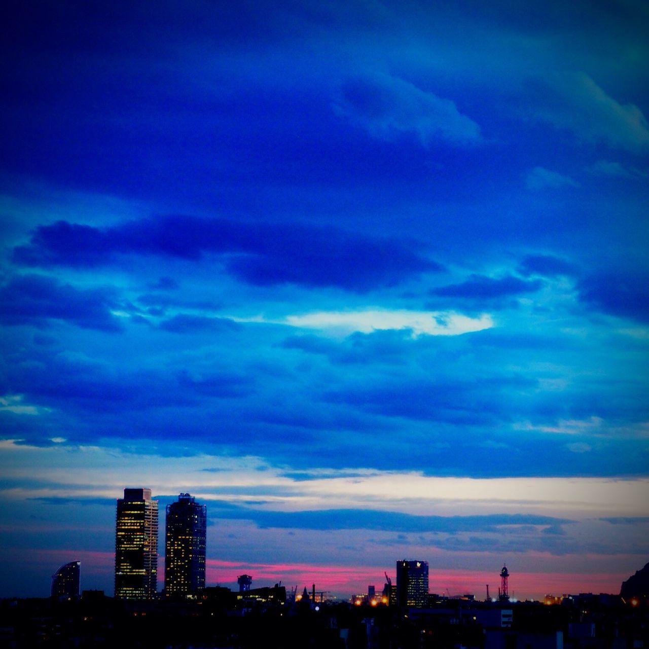 Puesta de sol en Barcelona Barcelona