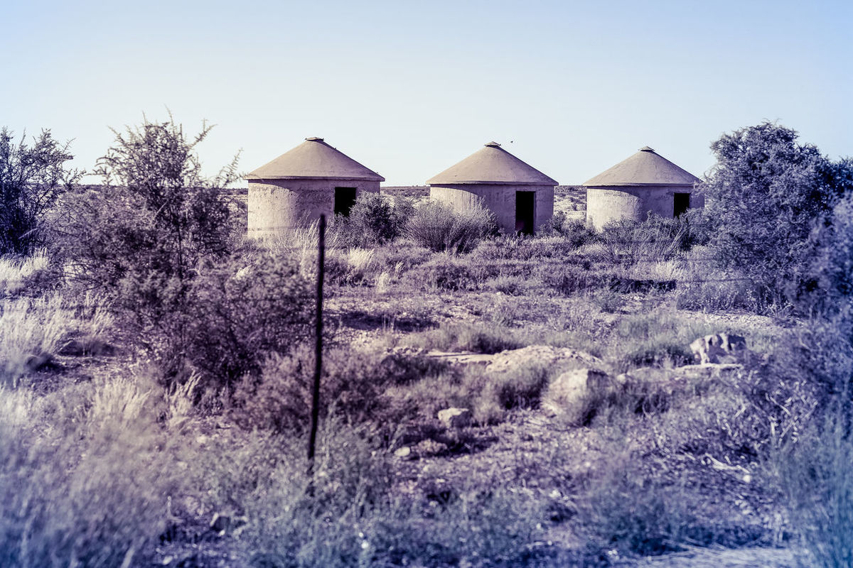 Karoo, South Africa | high res image available Bushveld Desolate Desolated Dwelling Farm Farm Life House Huts Karoo No People Remote Remote Dwelling Remote Location Road Trip Rondavel South Africa Southafrica