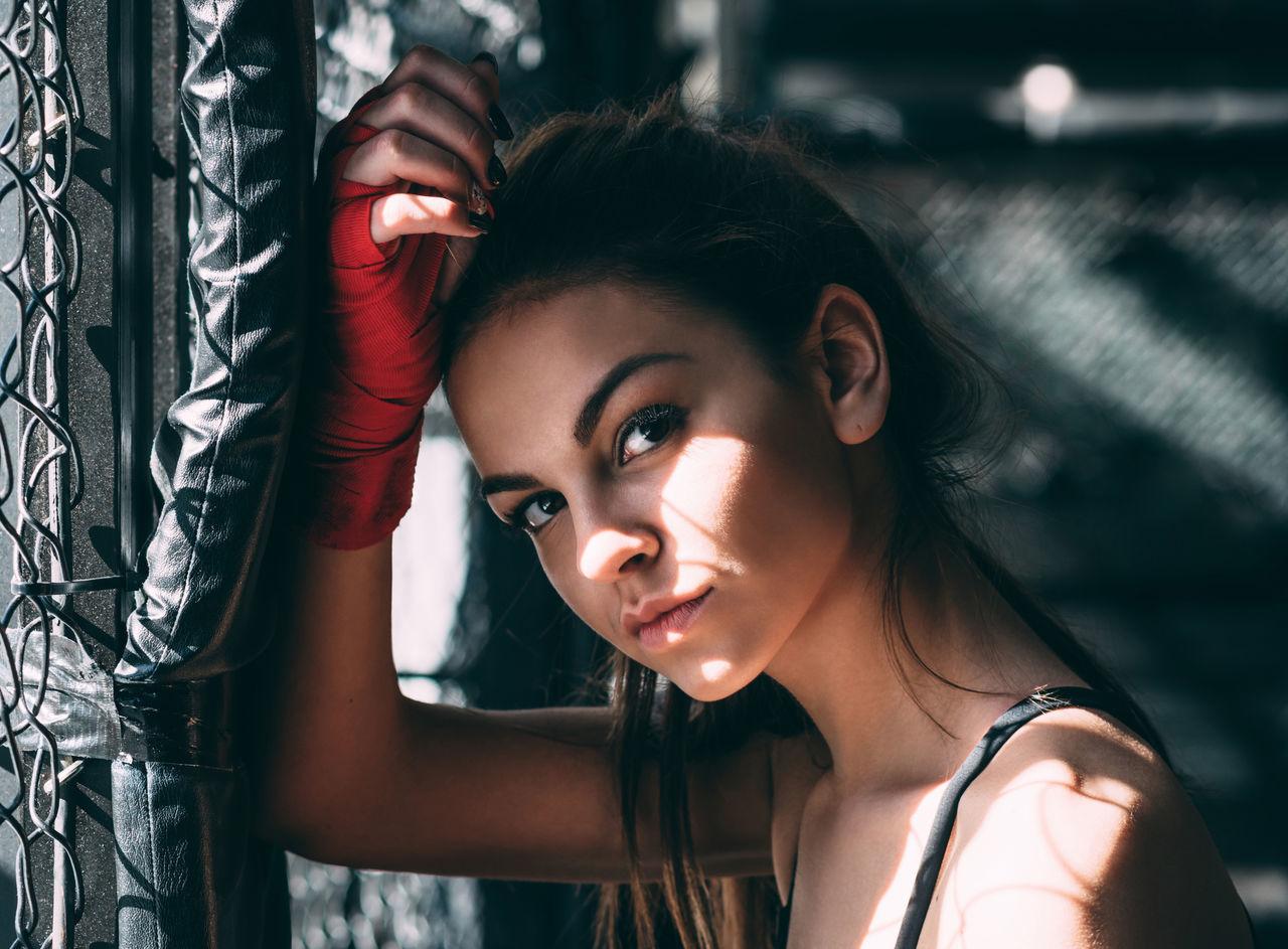 Beautiful stock photos of niedlich, 20-24 Years, Athlete, Beautiful Woman, Boxer